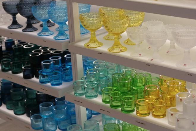 Schlichtes nordisches Design der berühmten finnischen Marke Iittala