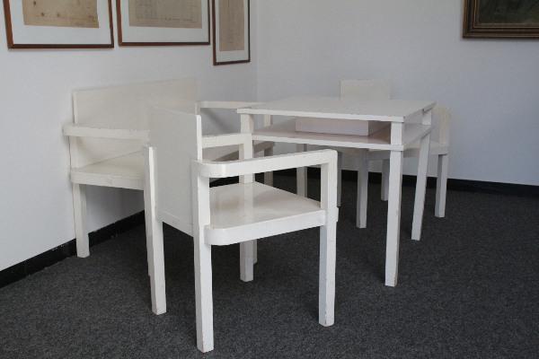 Auch die Küchenmöbel für die Privatwohnung stammen aus Gropius' Feder.